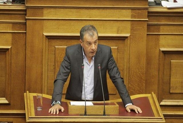 Θεοδωράκης: Η απόφαση Δανέλλη είναι η κατάντια της πολιτικής