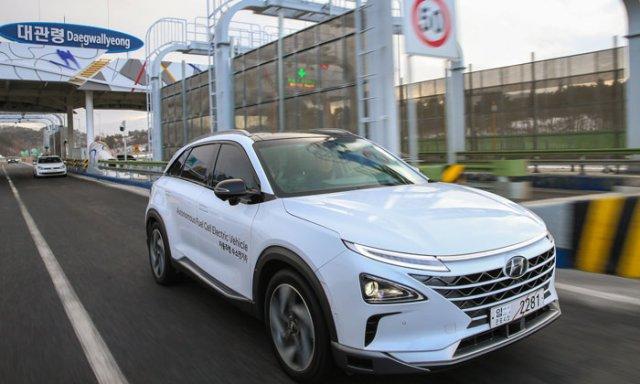 Ηλεκτροκίνητα αυτοκίνητα της Hyundai ταξίδεψαν 190 χλμ