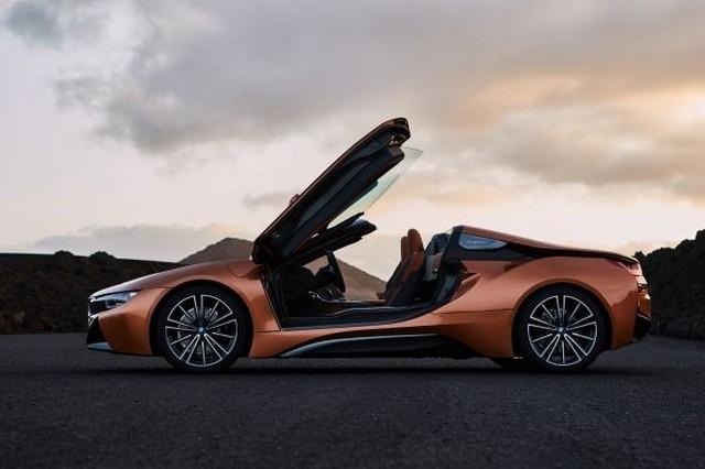 BMW: Με νέα μοντέλα και καινοτομίες στη Διεθνή Έκθεση της Γενεύης