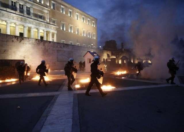 ΙΣΑ: Να μπει τέλος στη χρήση χημικών κατά των διαδηλωτών!