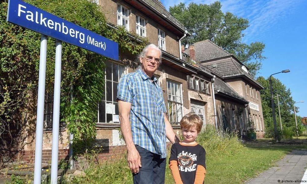 Γερμανία: Πουλάνε παλιούς σιδηροδρομικούς σταθμούς για να γίνουν σπίτια!