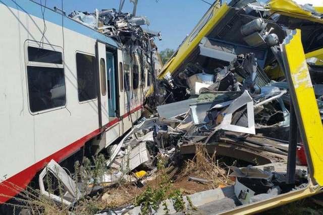 Σύγκρουση τρένων στην Ελβετία με τουλάχιστον 30 τραυματίες