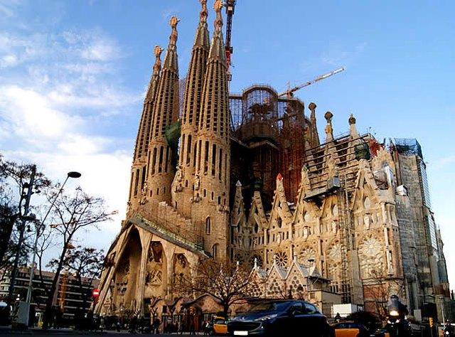 Τρομοκρατικό πλήγμα και στον ισπανικό τουρισμό