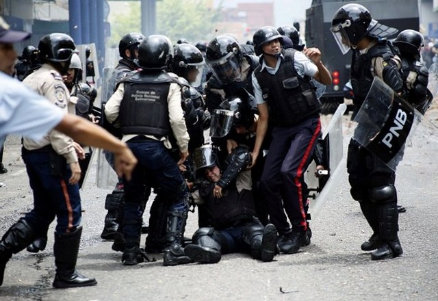 Έκκληση της ΕΕ για αποκλιμάκωση της έντασης στην Βενεζουέλα