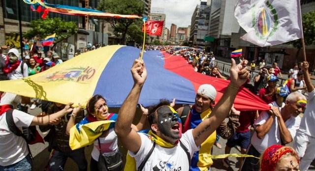 Με αίμα βάφτηκε το ανεπίσημο δημοψήφισμα στη Βενεζουέλα