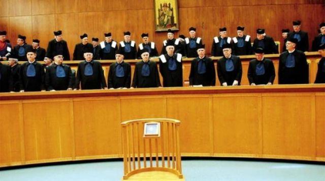 Πόλεμος εξουσιών- Kόντρα κυβέρνησης και δικαστικού συστήματος