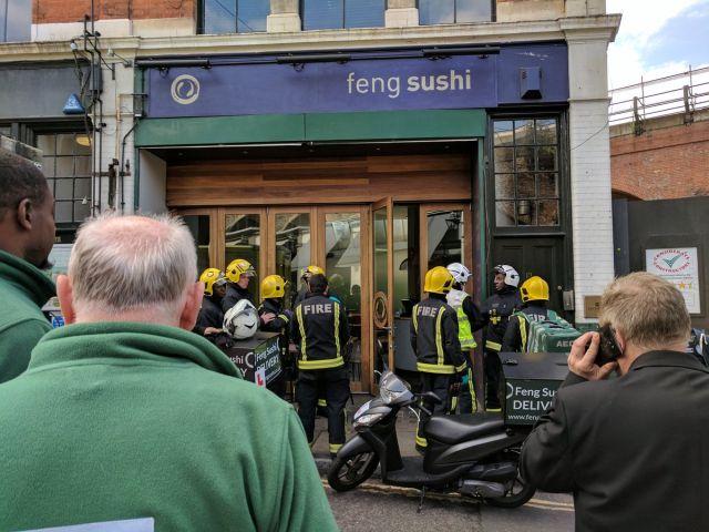Τρεις τραυματίες από παγιδευμένο φάκελο στο Λονδίνο!