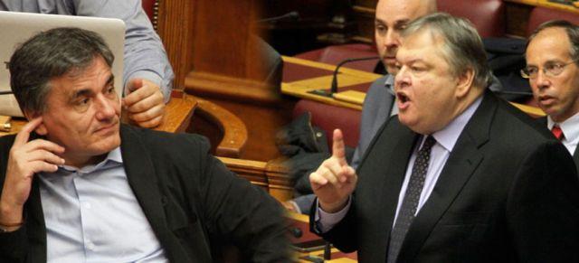 Σφοδρή αντιπαράθεση Τσακαλώτου - Βενιζέλου στη Βουλή