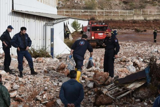 Πάνω από 1.000 κτήρια με ζημιές στην Δ. Αττική