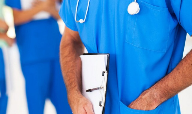 ΕΝΕ: Οχι νοσηλευτές στην παρασκευή κυτταροστατικών φαρμάκων