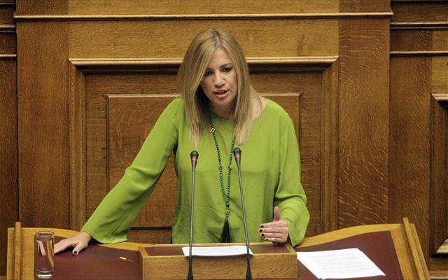 ΠΑΣΟΚ: Πέρασε η πρόταση της Φώφης, «αντάρτικο» από Ανδρουλάκη