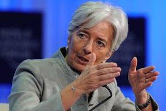 «Κλειστά χαρτιά» από το ΔΝΤ, παροξυσμός πιέσεων στην Αθήνα