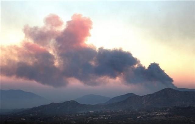 26 νεκροί από τις πυρκαγιές στην Καλιφόρνια