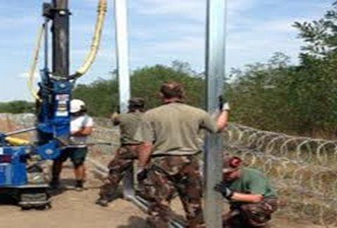 Ουγγαρία: Επεκτείνει το φράχτη της και στη Ρουμανία