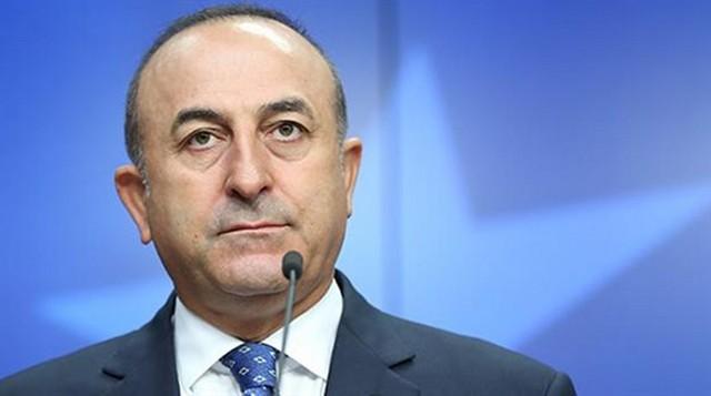 Τσαβούσογλου: Τούρκοι κομάντο κατέβασαν τη σημαία από τη βραχονησίδα!