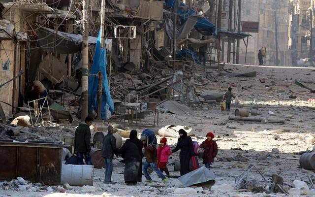 Αποχωρούν από το Χαλέπι άμαχοι και αντάρτες
