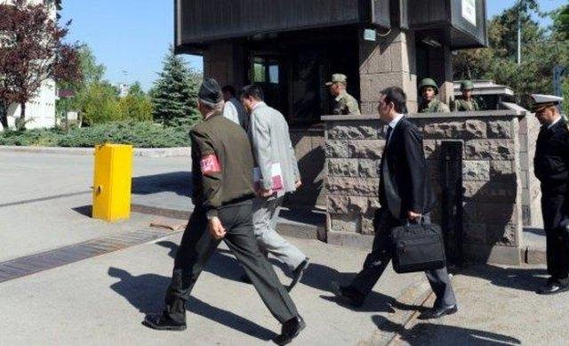 Μπλόκο εισαγγελέα και για άλλους 2 Τούρκους στρατιωτικούς