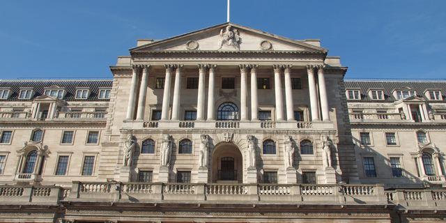Στο 0,5% διατήρησε το επιτόκιο η Τράπεζα της Αγγλίας