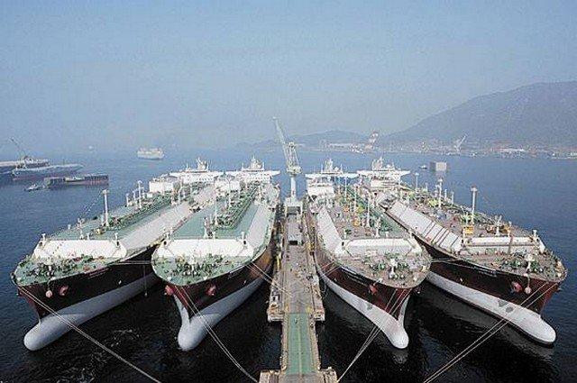 Ο τουρισμός, η ναυτιλία και… τα capital control