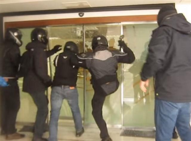 Ρουβίκωνας: Μήνυμα εναντίον των «φασιστών» οπαδών της Ντιναμό Κιέβου