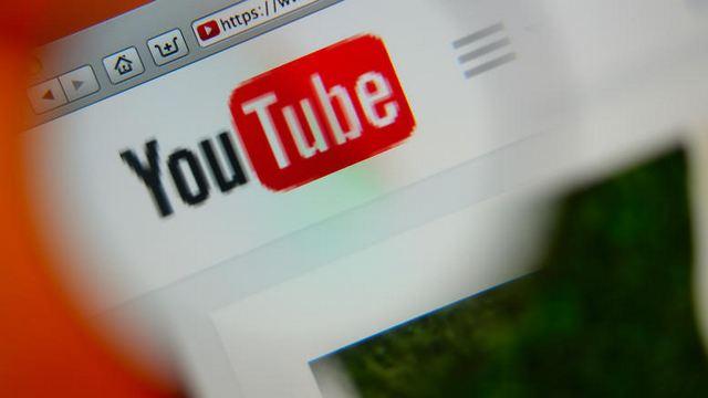 Διεθνή brands κατά YouTube, Google, Facebook για ρατσιστικό περιεχόμενο