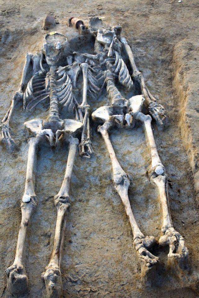 Ανασκαφή στο Δέλτα Φαλήρου: Έμειναν ζευγάρι για 27 αιώνες