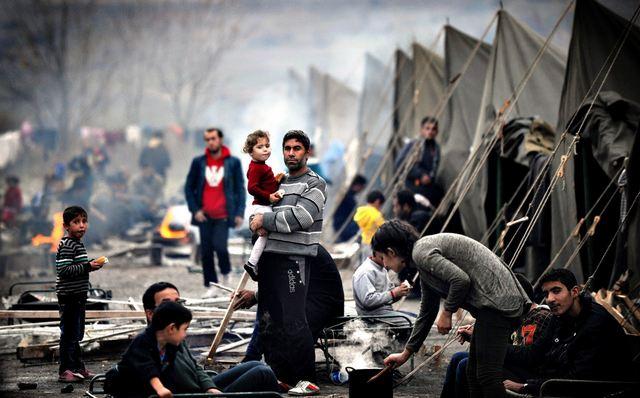 Οι δύο όψεις της προσφυγικής κρίσης
