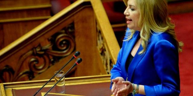 Γεννηματά: Η κυβέρνηση κάνει τη σοβαρότερη εκχώρηση κυριαρχίας!