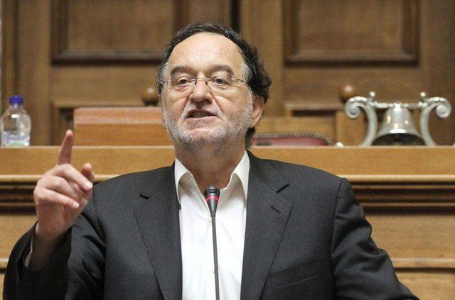 Κάλεσμα Λαφαζάνη στους βουλευτές του ΣΥΡΙΖΑ να μην υπογραφεί τρίτο μνημόνιο