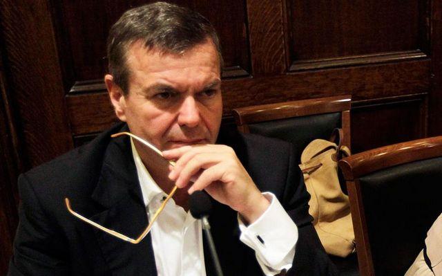 Α. Πετρόπουλος: «Κούρεμα» εισφορών για εισοδήματα 50.000-70.000 ευρώ