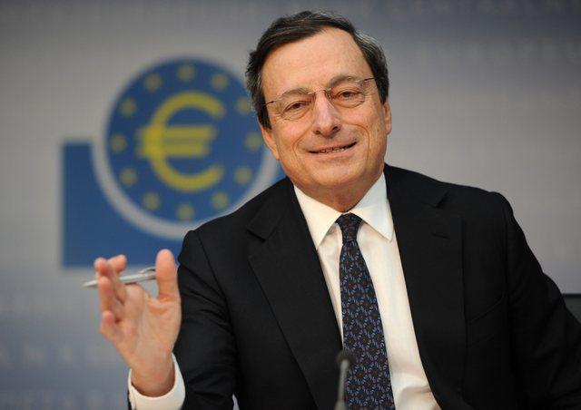 EKT: Εξετάζει μείωση του QE στο μισό από τον Ιανουάριο
