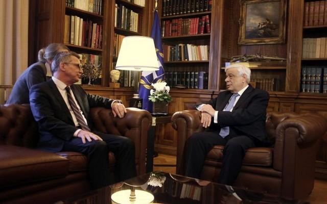 Παυλόπουλος: Το μείζον πρόβλημα της Ε.Ε. είναι το προσφυγικό