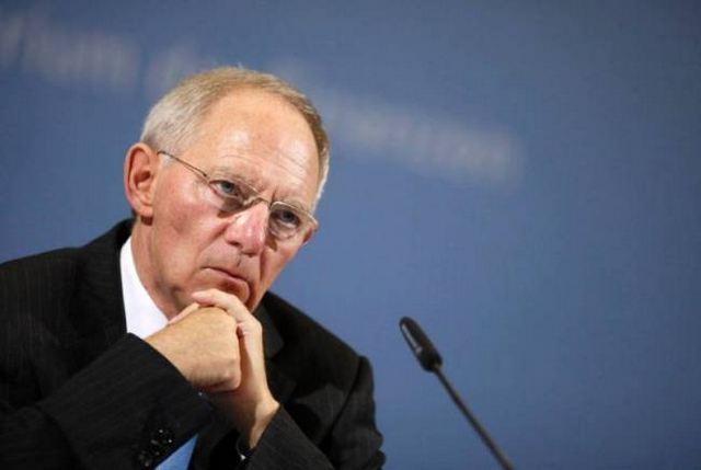 Σόιμπλε: Οκτώβριο οι αποφάσεις για το τέλος του QE