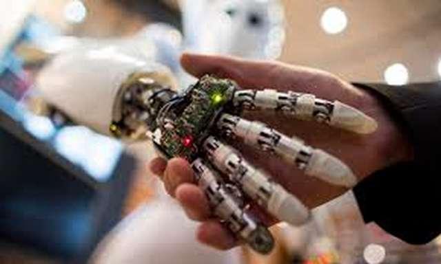 Θα μπορούσαν τα ρομπότ να αντικαταστήσουν τους οικονομικούς συμβούλους;