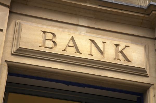 Brexit: Βαρύς ο «λογαριασμός» για τις τράπεζες