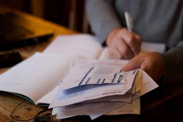 Στοπ στη συνταξιοδότηση δημοσίων υπαλλήλων πριν από τα 62