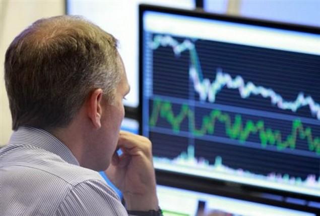 Το Δημόσιο δανείζεται φθηνότερα, οι τράπεζες χάνουν τόκους-κέρδη