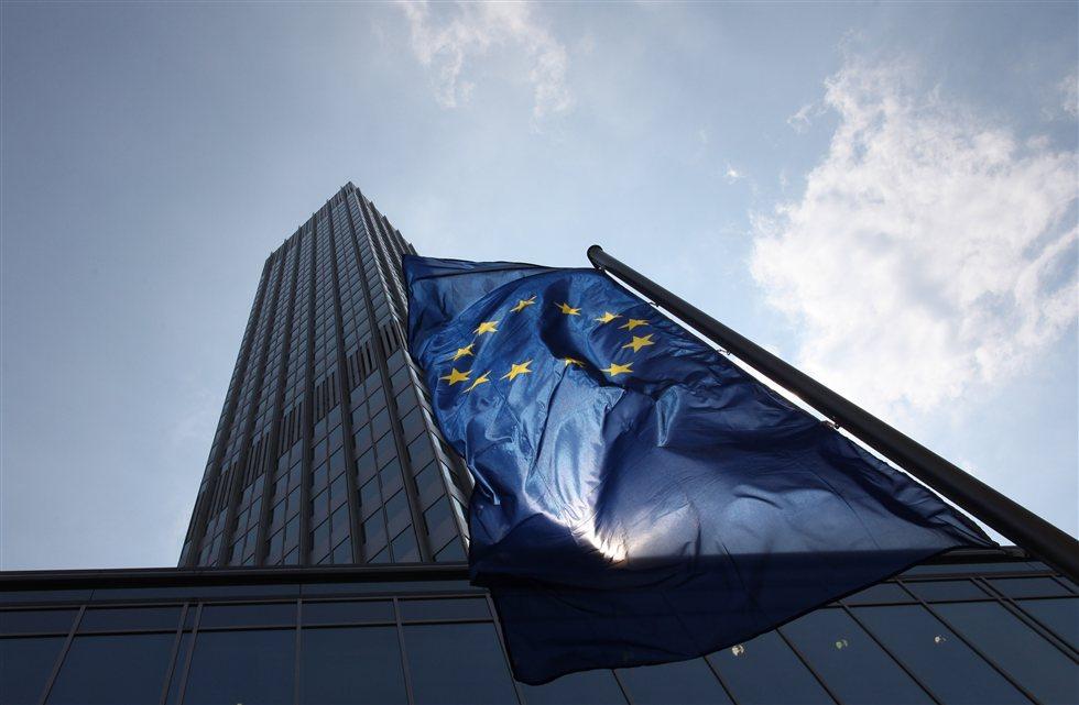 Ευρωβουλευτές καλούν ΕΚΤ να «διορθώσει» τη στάση της για τα κόκκινα δάνεια
