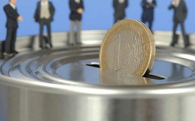Σταθεροποιείται η ισοτιμία ευρώ και δολαρίου