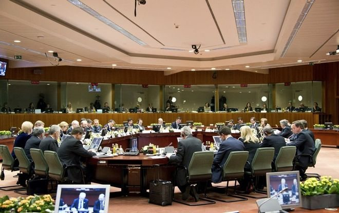Eurogroup: Σε δόσεις… η δόση, συμφωνία με «αστερίσκους» για χρέος