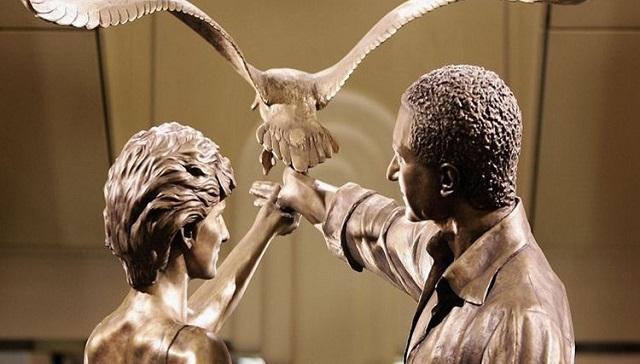 Το Harrods θα ξηλώσει το άγαλμα της πριγκίπισσας Νταϊάνας
