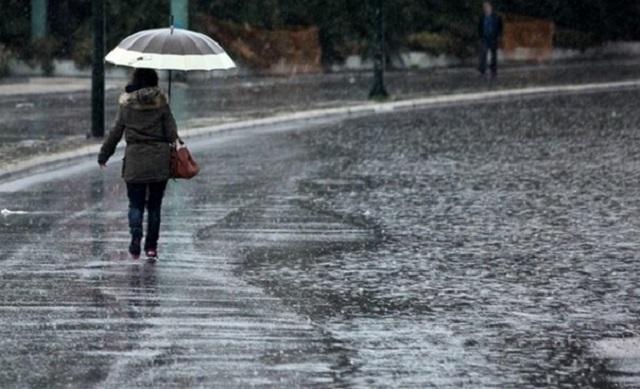 Συνεχίζεται η κακοκαιρία - Αφήνει πίσω της πλημμύρες, κατολισθήσεις και χιόνια