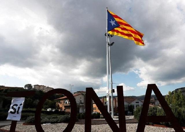 Ισπανός ΥΠΕΞ: Οι Καταλανοί να αγνοήσουν τις οδηγίες του Πουτζντεμόν