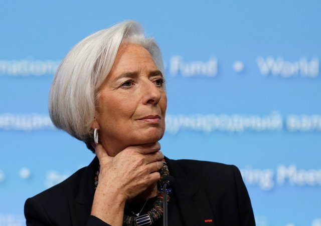 Λαγκάρντ: Κάντε ελάφρυνση του ελληνικού χρέους και μετά βλέπουμε