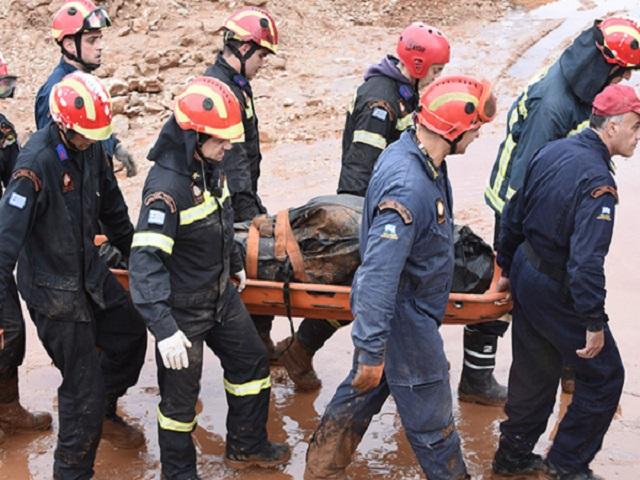 Δ. Αττική: 19 τα θύματα της θεομηνίας - Εντοπίστηκαν 3 σοροί