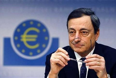 Ντράγκι για τράπεζες: ΟΚ τα κεφάλαια, πρόβλημα οι καταθέσεις