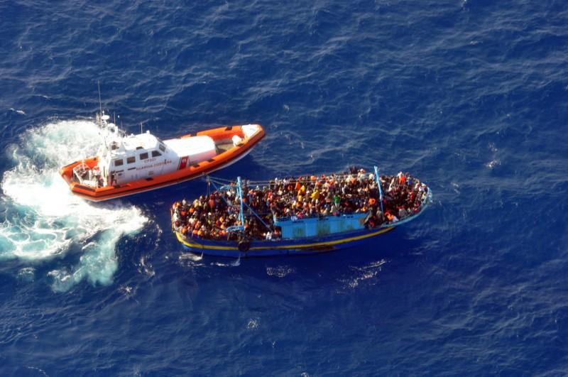 Διασώθηκαν 4.400 μετανάστες ανοιχτά της Ιταλίας μόνο σε 2 δυο μέρες