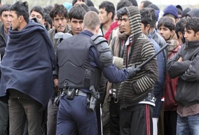 Μεταφέρονται 1.000 πρόσφυγες από τη Μυτιλήνη