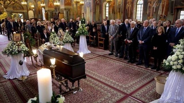 Συγκίνηση στην κηδεία του δημοσιογράφου Χρήστου Πασαλάρη