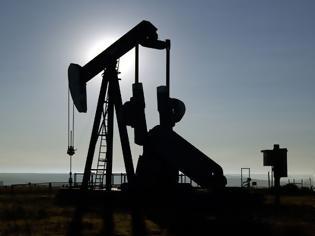 Ο ΟΠΕΚ βυθίζει ξανά το πετρέλαιο